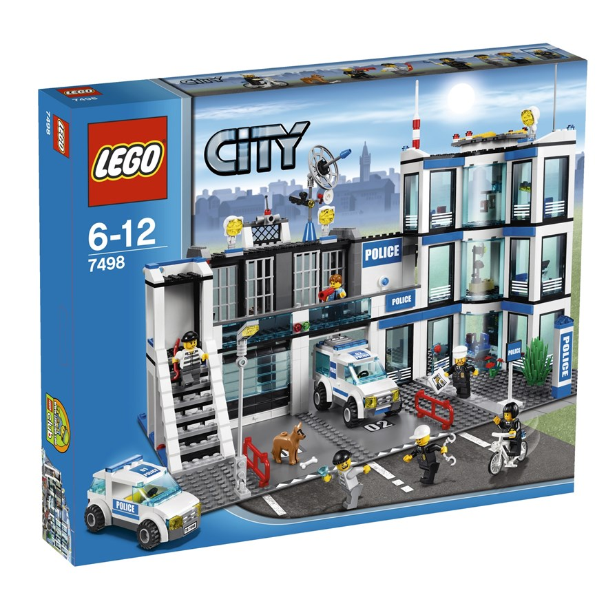 LEGO City Police Station 7498 image-0