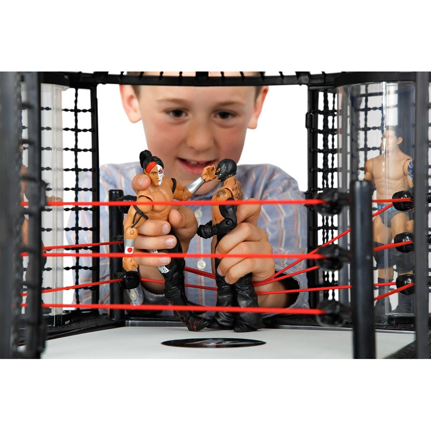 WWE Elimination Wrestling Chamber image-7