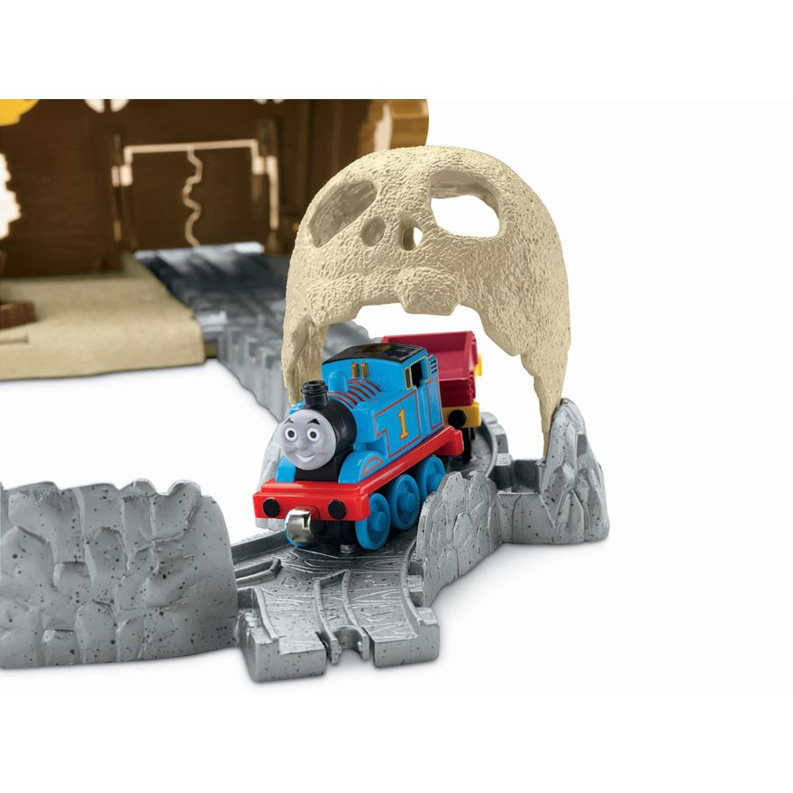 Thomas & Friends Take-n-Play Pirate Cove image-4