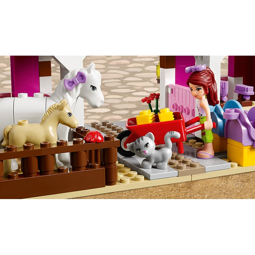 LEGO Friends Sunshine Ranch 41039 image-4