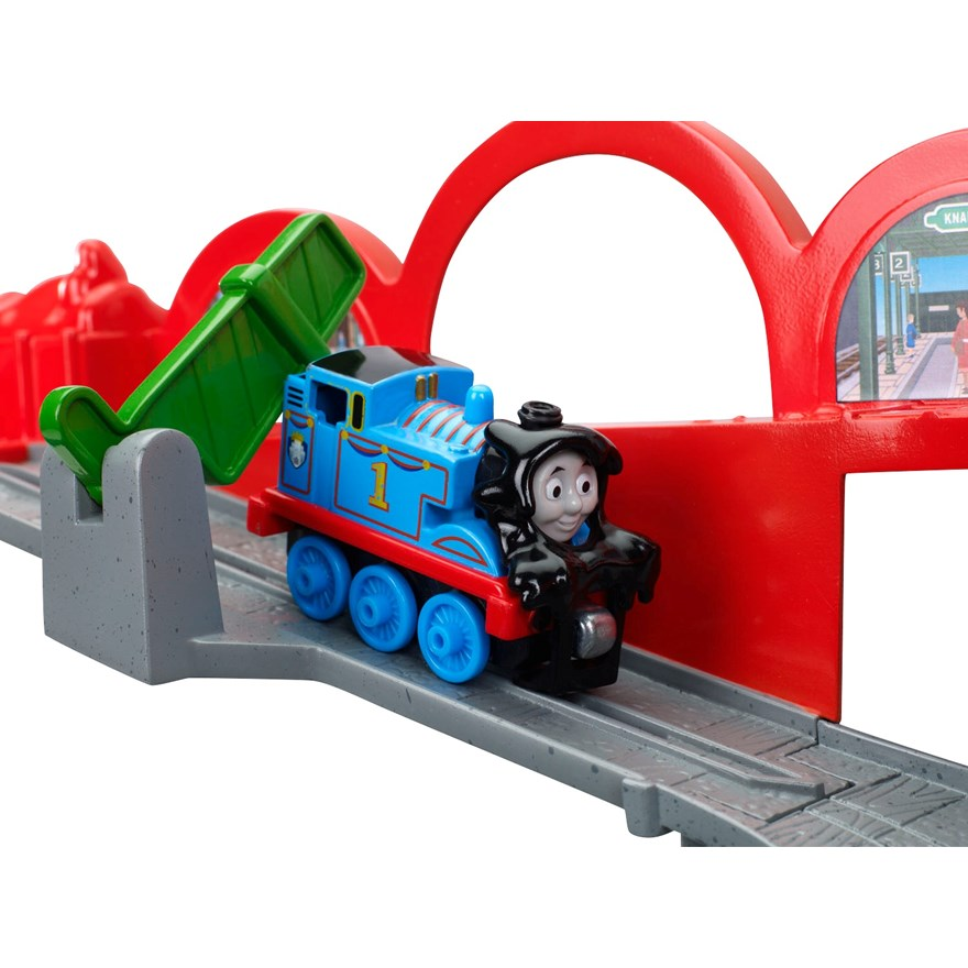 Thomas Take and Play Spills & Thrills on Sodor Set image-3