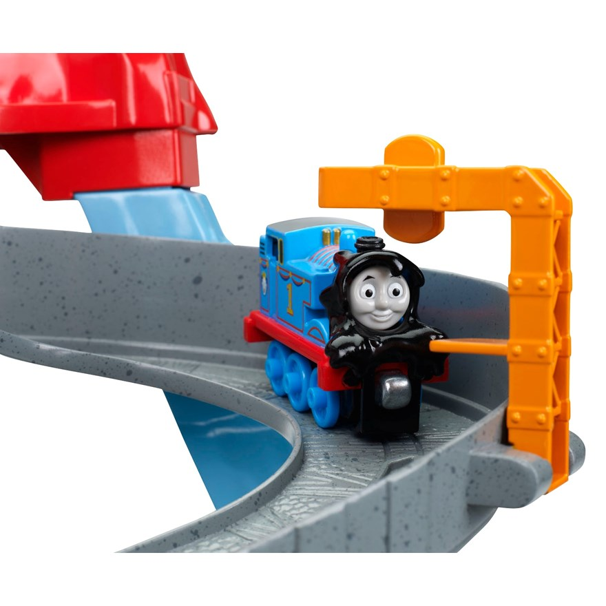 Thomas Take and Play Spills & Thrills on Sodor Set image-4