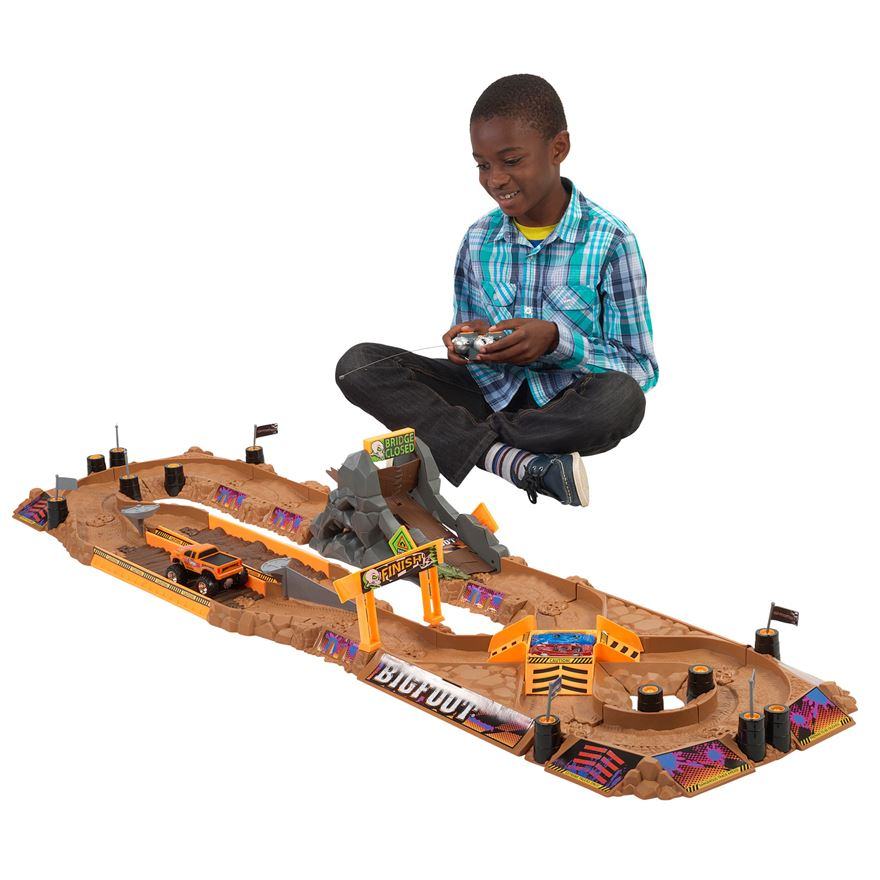 Bigfoot Arena Rocker Track Playset with Remote Controlled Monster Truck image-0