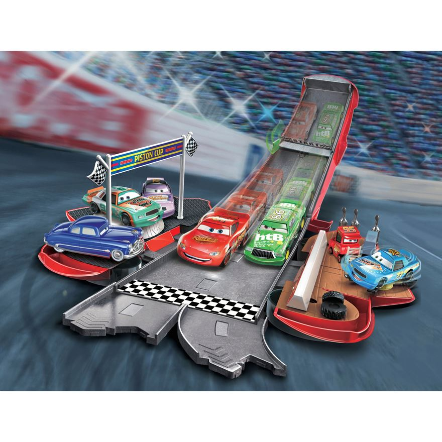 Disney Pixar Cars Transforming Lightning McQueen Playset image-0