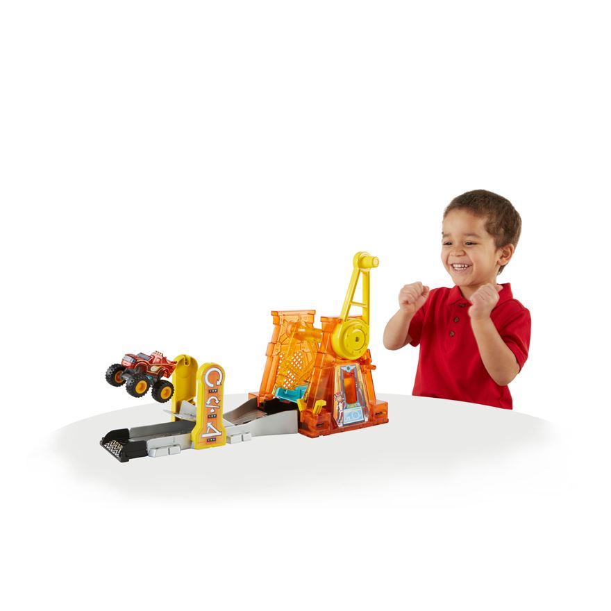 Blaze and the Monster Machines Light & Launch Hyper Loop image-0