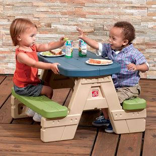 Step 2 Sit and Play Junior Picnic Table