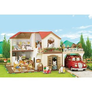 Sylvanian Families Maple Manor & Carport Gift Set