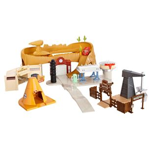 Disney Pixar's Cars Radiator Springs World Play Set